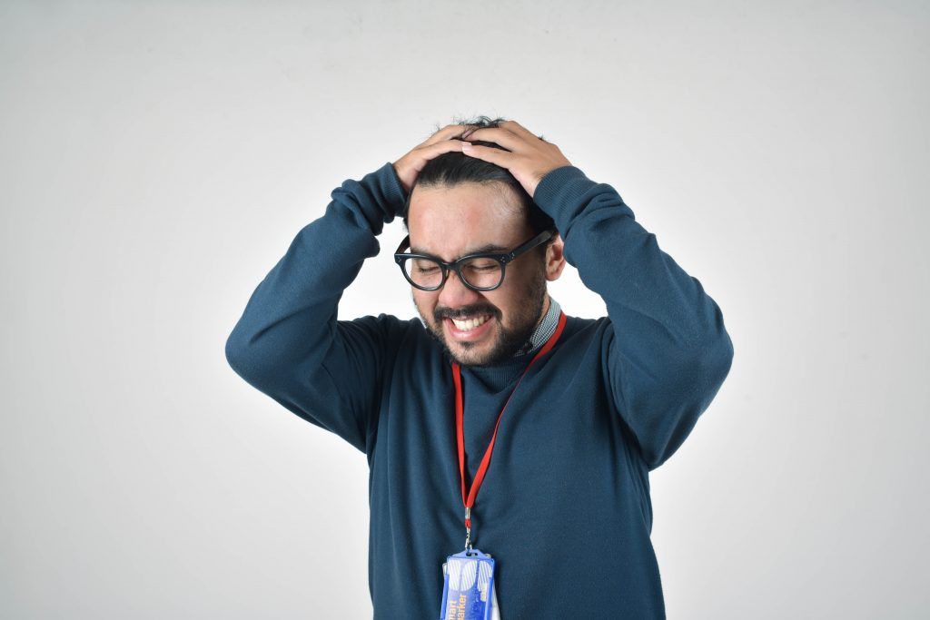 How to Recognize & Deal with a Disgruntled Employee